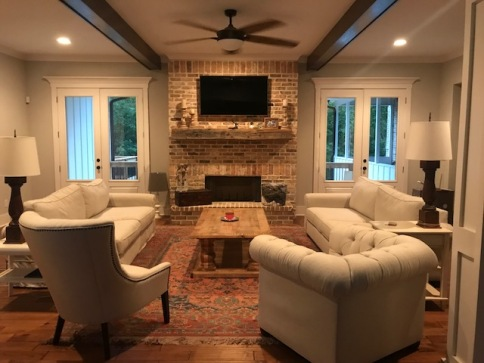 Traditional Farmhouse Living/Family room